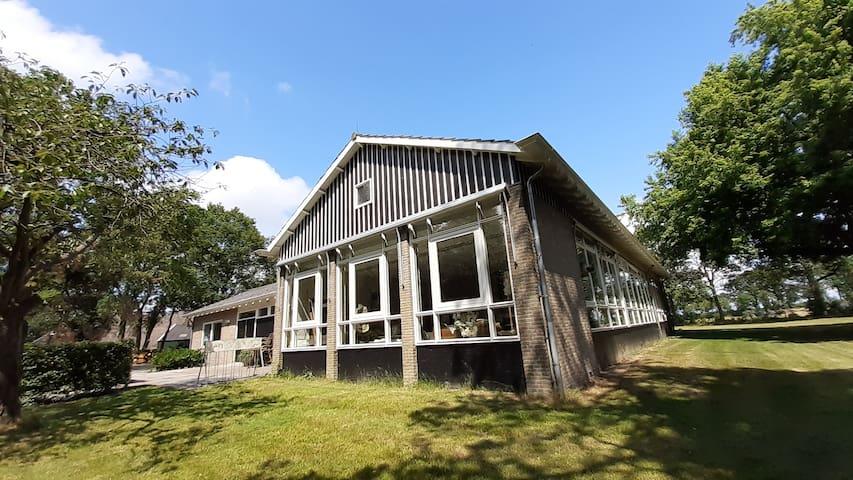 Rustieke B&B in oude basisschool in Drenthe