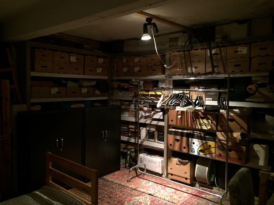 Local dans un atelier de piano ixelles bruxelles belgique for Atelier de cuisine bruxelles
