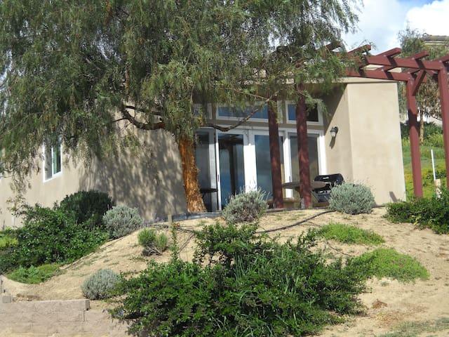 MOJO ROOM BEDNBOTTLE MINI VILLA - Paso Robles - Villa