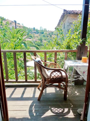 A cozy nest in the hills of Nikiti! - Νικήτη - Appartamento