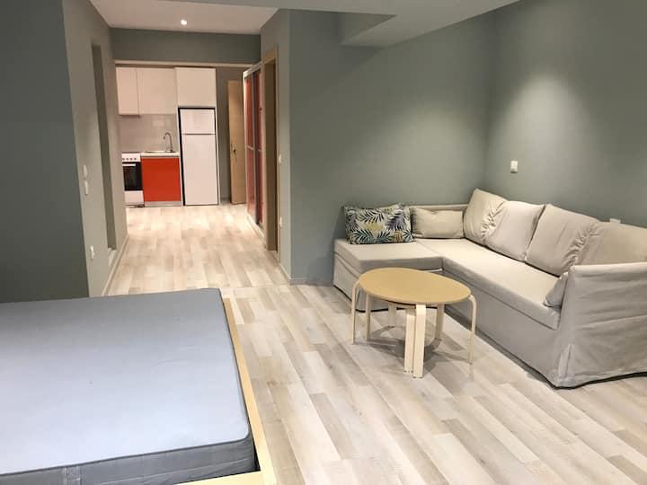 Nikos' Garden Apartment