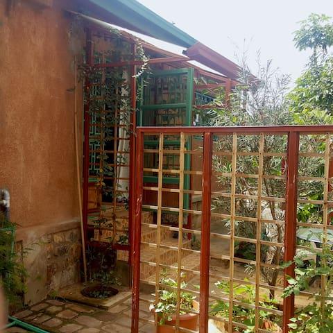 BEAUTIFUL STUDIO IN KIGALI, GIKONDO, amazing view