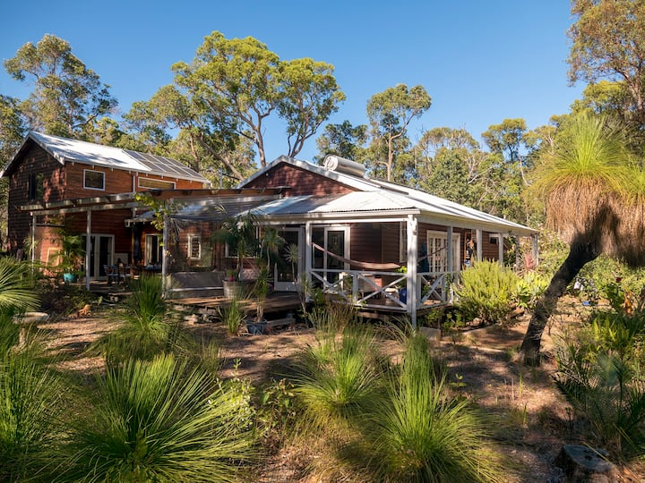 Peaceful Sustainable duplex in native bush block