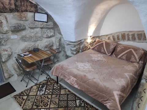 Cozy Arabic Studio in Bethlehem Old City