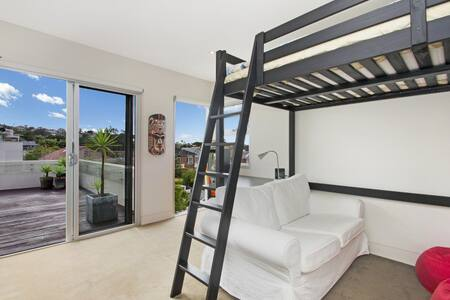 Sunny space 2 mins from Balmoral Beach! - Mosman