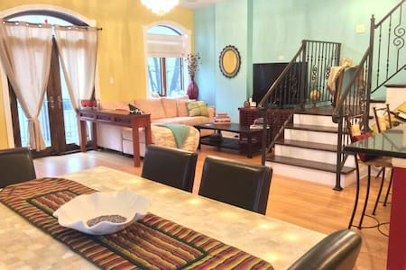 Bright, spacious sanctuary duplex - Morris - Apartemen