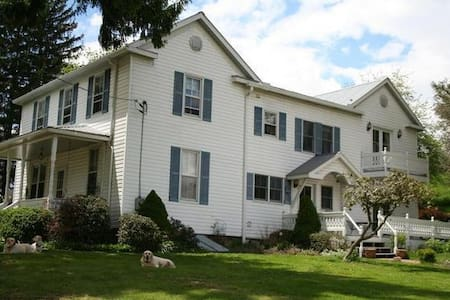 Possibilty Farm #C (Family Room) - Frostburg - Other
