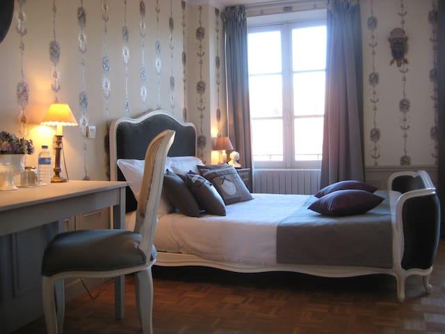 Hôtel de Guerpel - Chambre Grise - Exmes