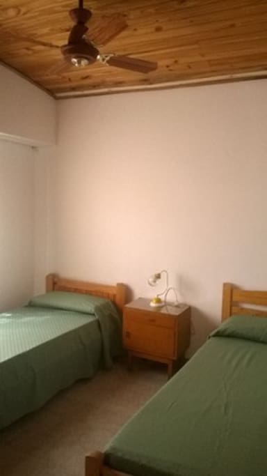 dormitorio 2 con camas individuales