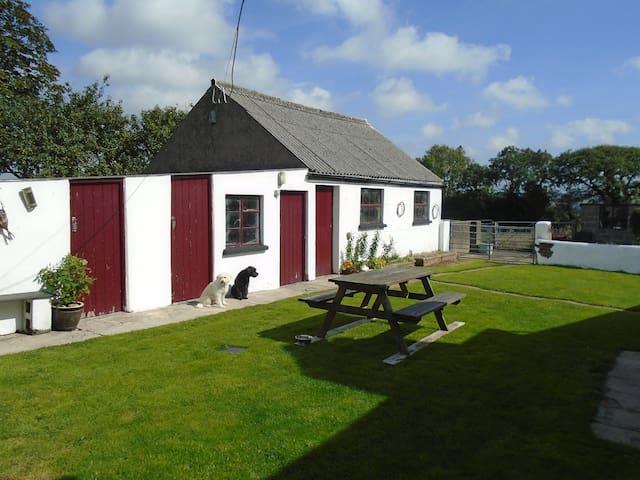 Pembrokeshire Rural Cottage