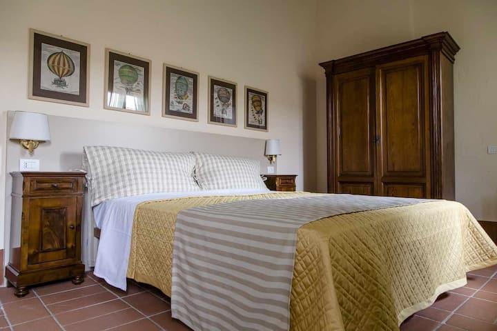 Camera doppia con bagno privato - Canapiglia -