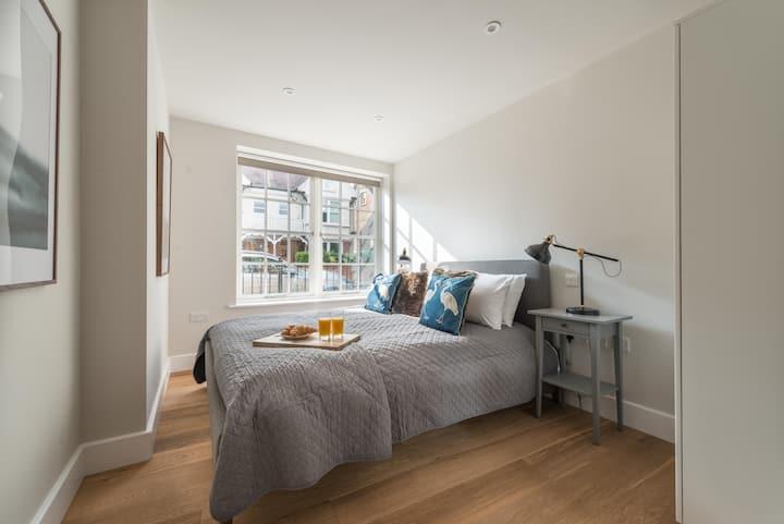 Hampden Apartments - The Diana