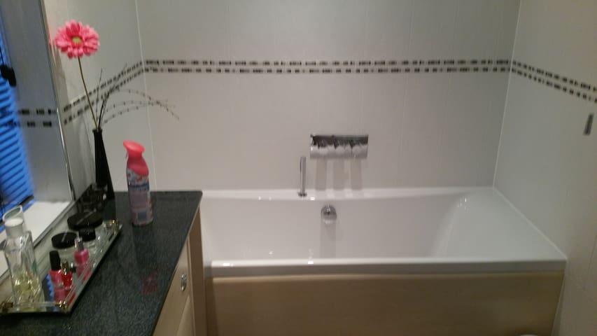 HI Spec bathroom with separate shower