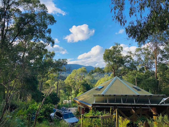 Off grid mud brick home, spacious and private