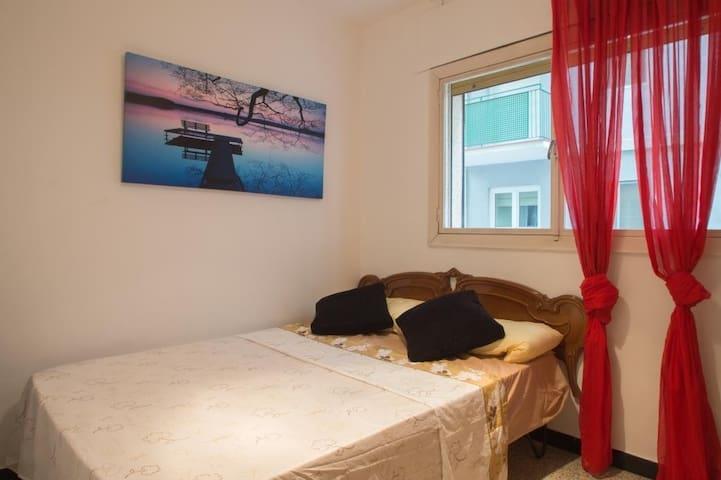 Private Room, Rustic Little Town, Costa Brava - La Bisbal d'Empordà - Huoneisto