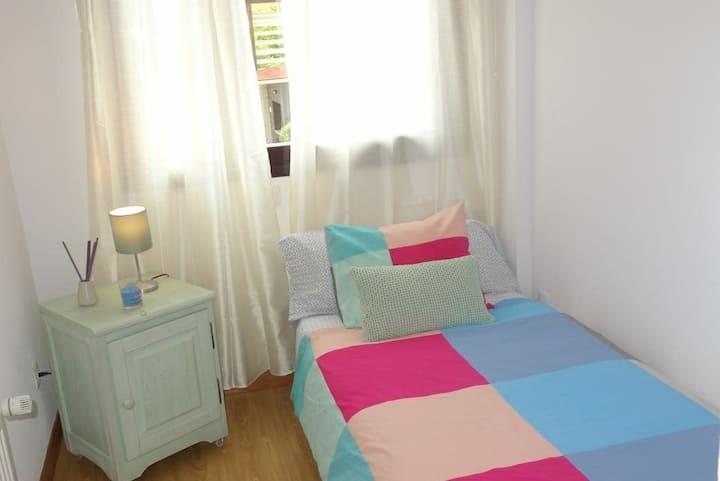Perfecta habitación en  Madrid ! Para  CHICAS