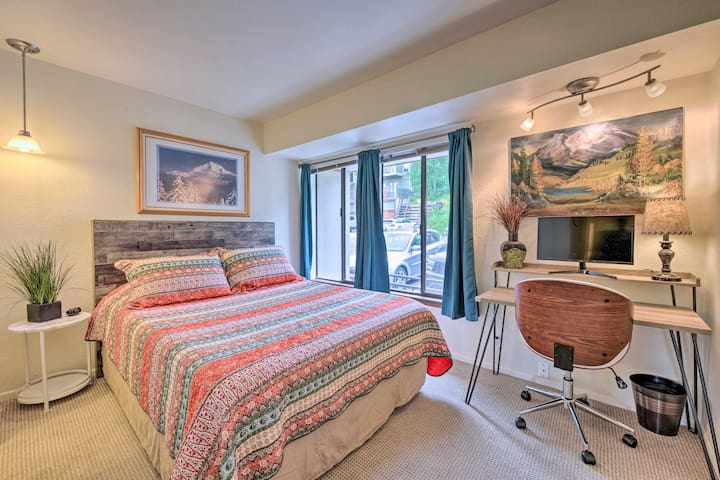 Front bedroom has views of Park City Mountain – watch skiers, hikers, or just take in the afternoon sun.