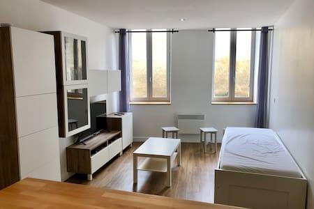 Studio moderne 31m² plein centre historique d'Auch