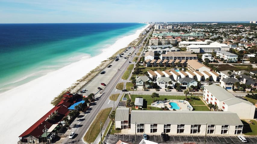 Tradewinds 19, BEACHFRONT, 2BR/2BA, great location