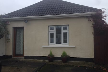 Charming one bed apartment parking - Leixlip