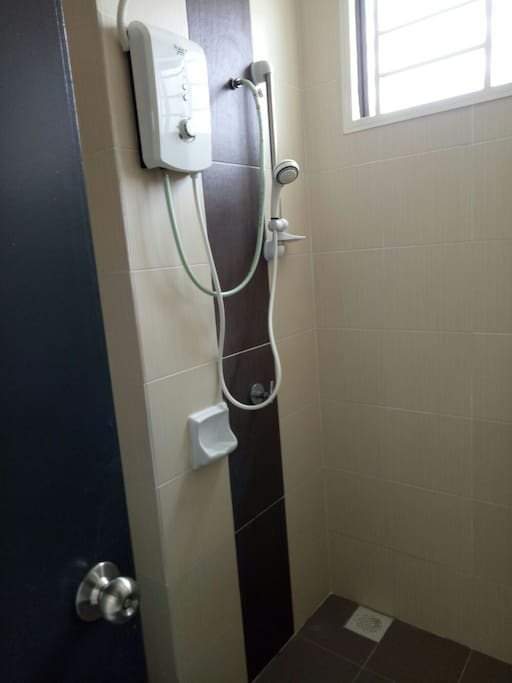 Toilet With Water Heater