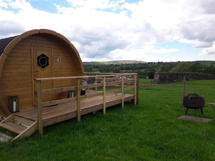Swallow Barn Glamping - Viking Barrel
