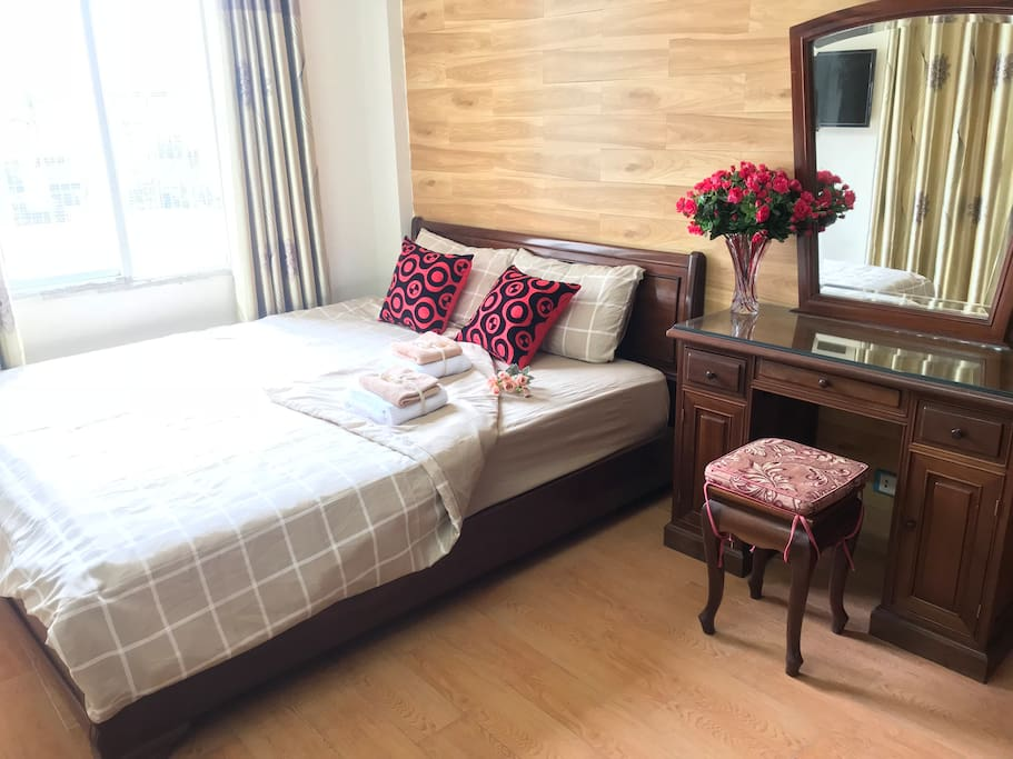 The bedroom is very spacious and private with much of light