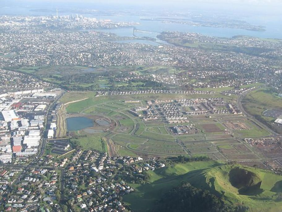 A suburb in East Auckland of New Zealand