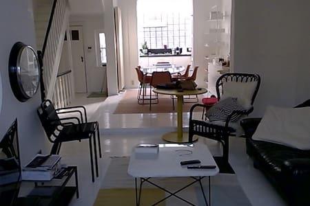 Villa Charles in Dumont wijk - De Panne