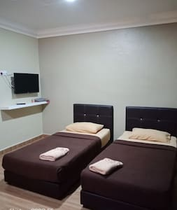 TY Inap Homestay 2(private room with 2 single bed)