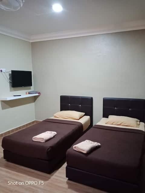 TY Inap Homestay 2(privat værelse med 2 enkeltsenge)