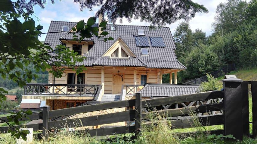 TYLMANÓWKA - góralska chata w Pieninach