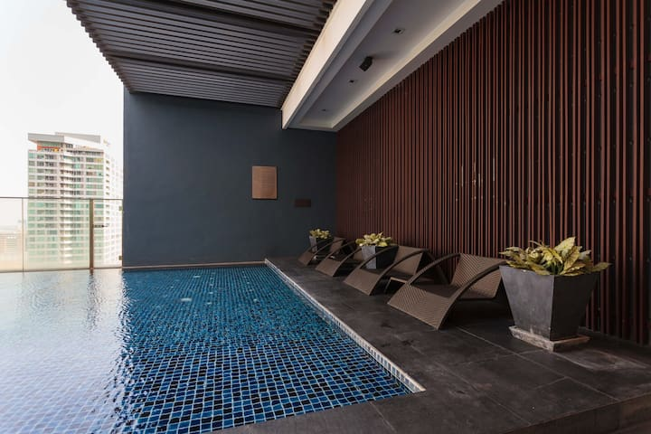 Rooftop Swimming area