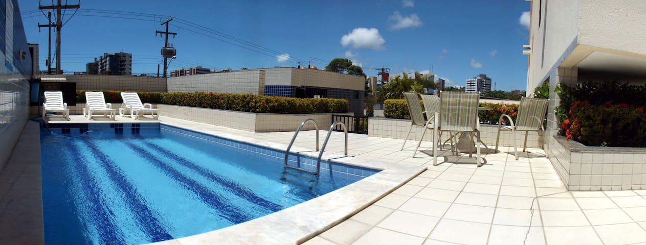 Apartamento próximo ao mar em região privilegiada - Maceió - Appartement