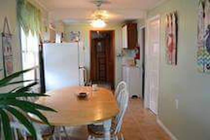 Sarina apartments # 5 - 2 bedrooms beach block