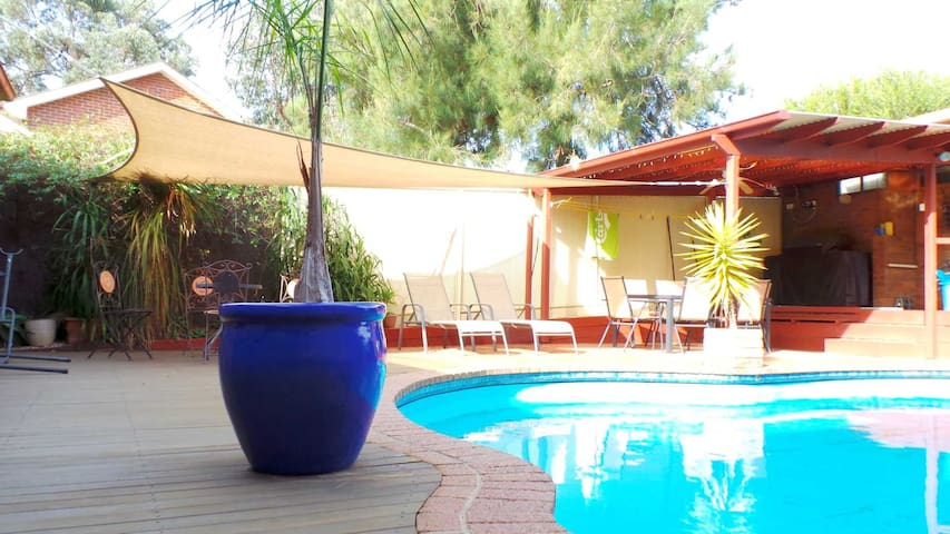 Cosy private room in Bendigo - Kennington - Bed & Breakfast