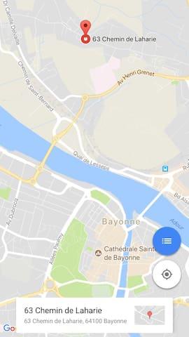 Localisation de la résidence : 3 kms du centre ville de Bayonne