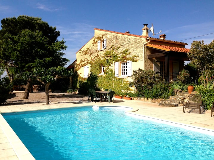 Luxury 3 Bed Villa with Pool