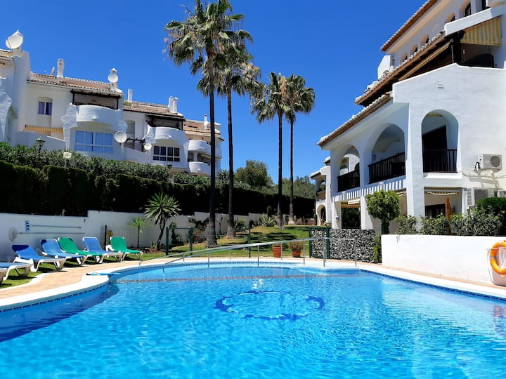 ☆Stylish 2BR with views to the sea & near golf