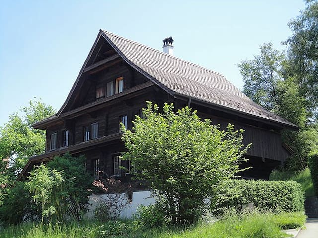 B&B in 300 J. altes Bauernhaus, 1 Zimmer 2-3 Pers.