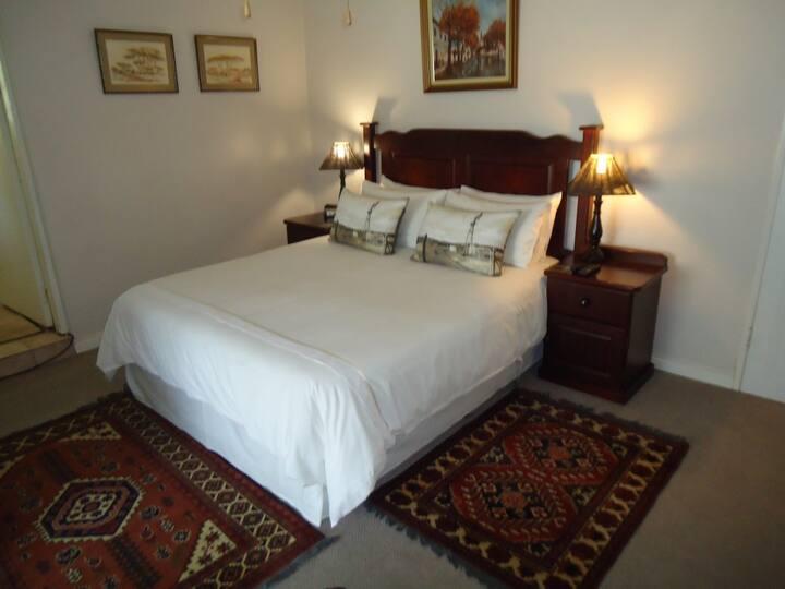 Deo Gloria - Mahogany Room