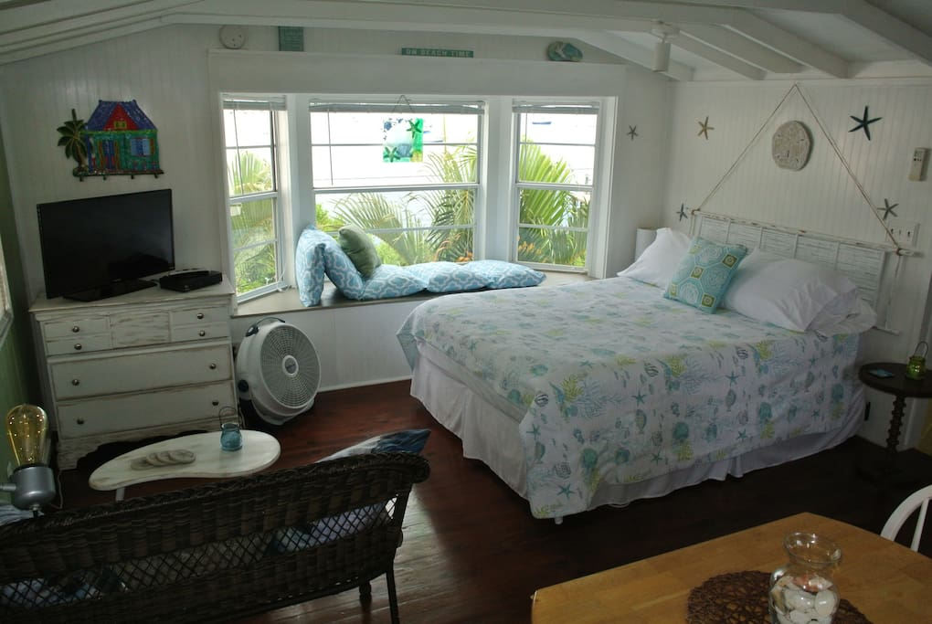 Beautiful Bay views from this shabby chic bungalow