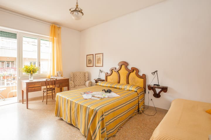 MIMOSA - 12min TO COLOSSEO BY METRO - Rome - Bed & Breakfast