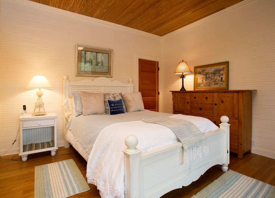 Your bedroom has a Queen size bed, private bath. Additional linens, pillows and blakets are provided.