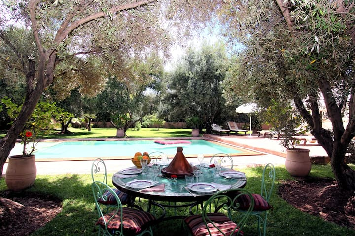 Adobe Pastoral Villa with 2 Pools - Marrakesh - Dům