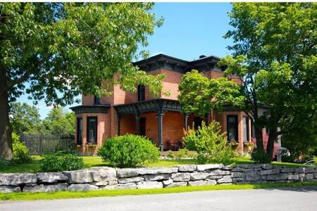 Loch Hill House