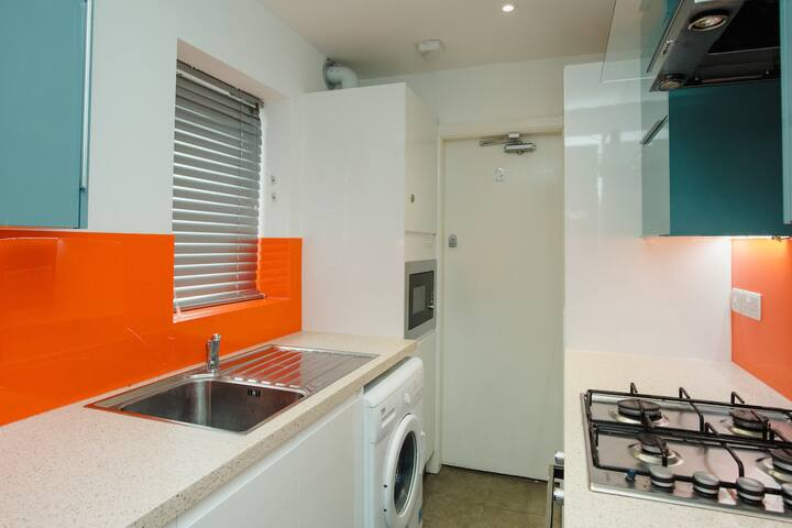 Appealing Double Room Bills INCLUDED