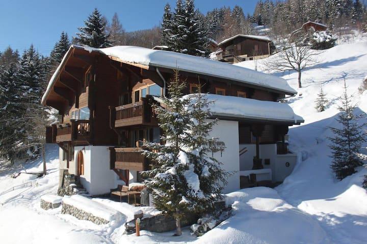 2 Bed Suite, Gorgeous ski-in Chalet - Montchavin - Haus