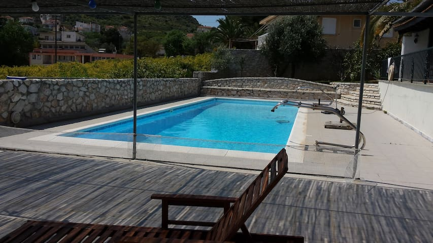 WOODEN COTTAGE WITH POOL AND SEA VIEW - Drepano - Holiday home