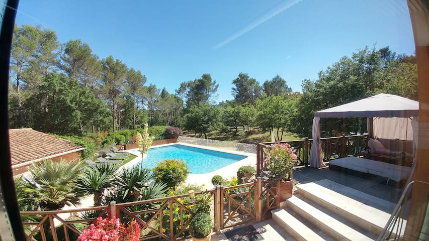 Exceptional property, benefits ++++ Aix-Marseille - Gréasque - House